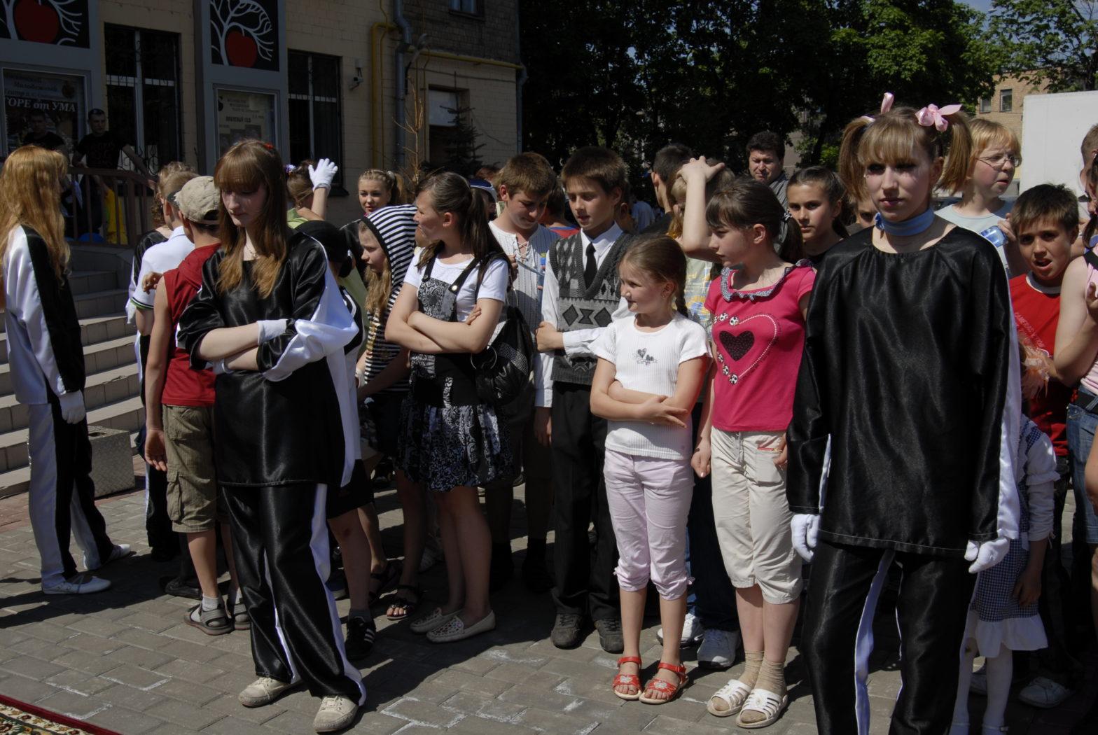 Фонд провел благотворительный праздник к Международному дню защиты детей 2010 года