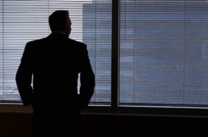 Благотворители просят правительство оказать психологическую поддержку людям, находящимся в самоизоляции