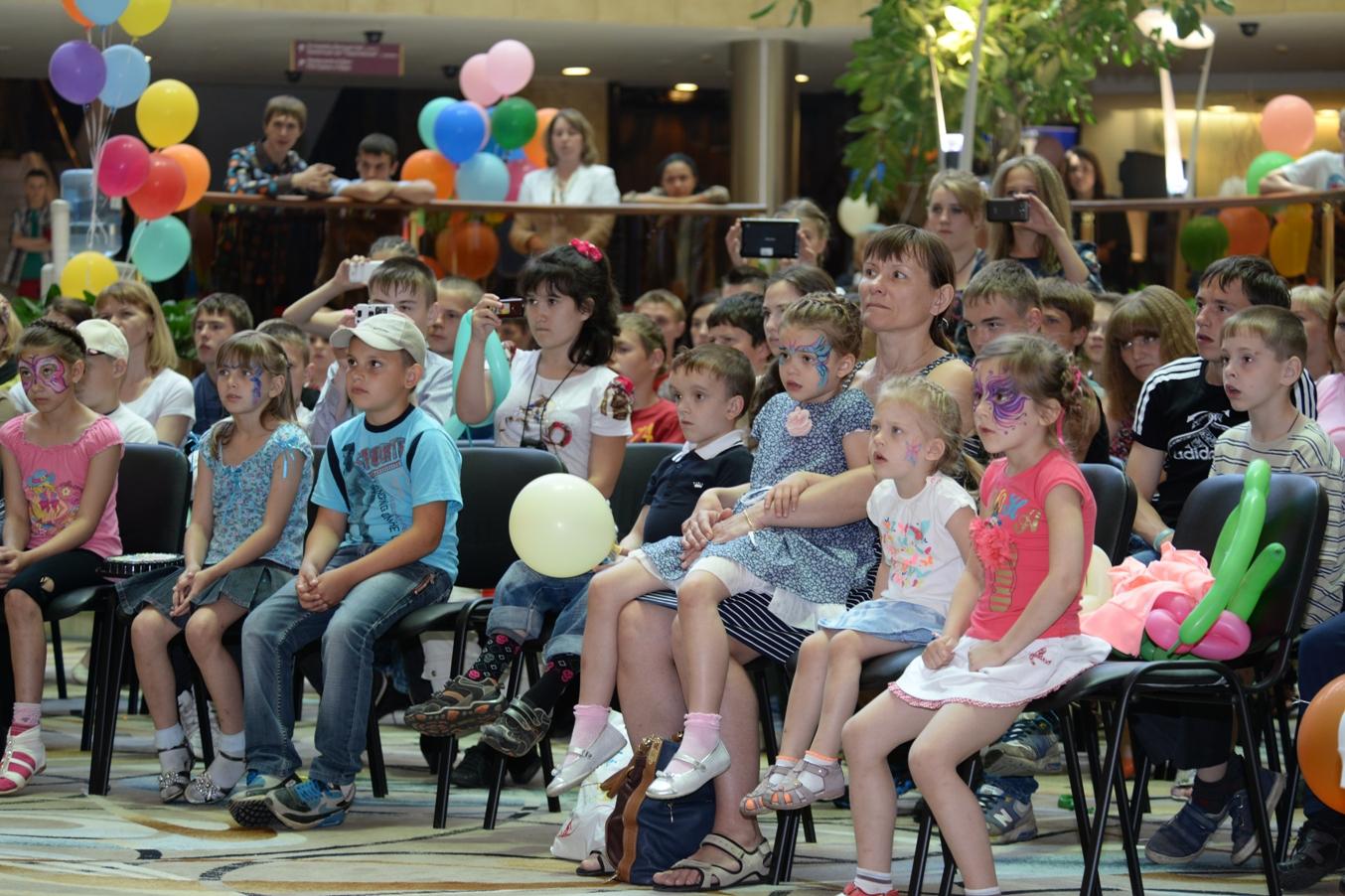 Фонд провел благотворительный праздник к Международному дню защиты детей 2014 года