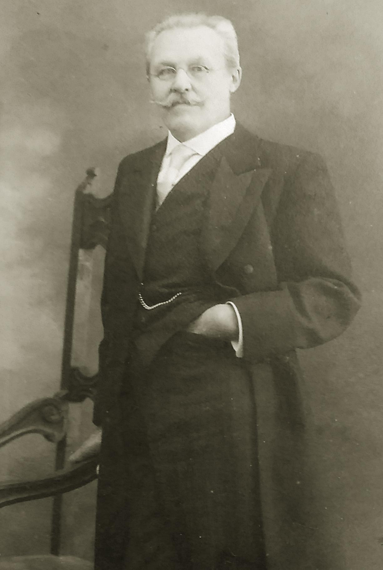 Владимир Сукачев
